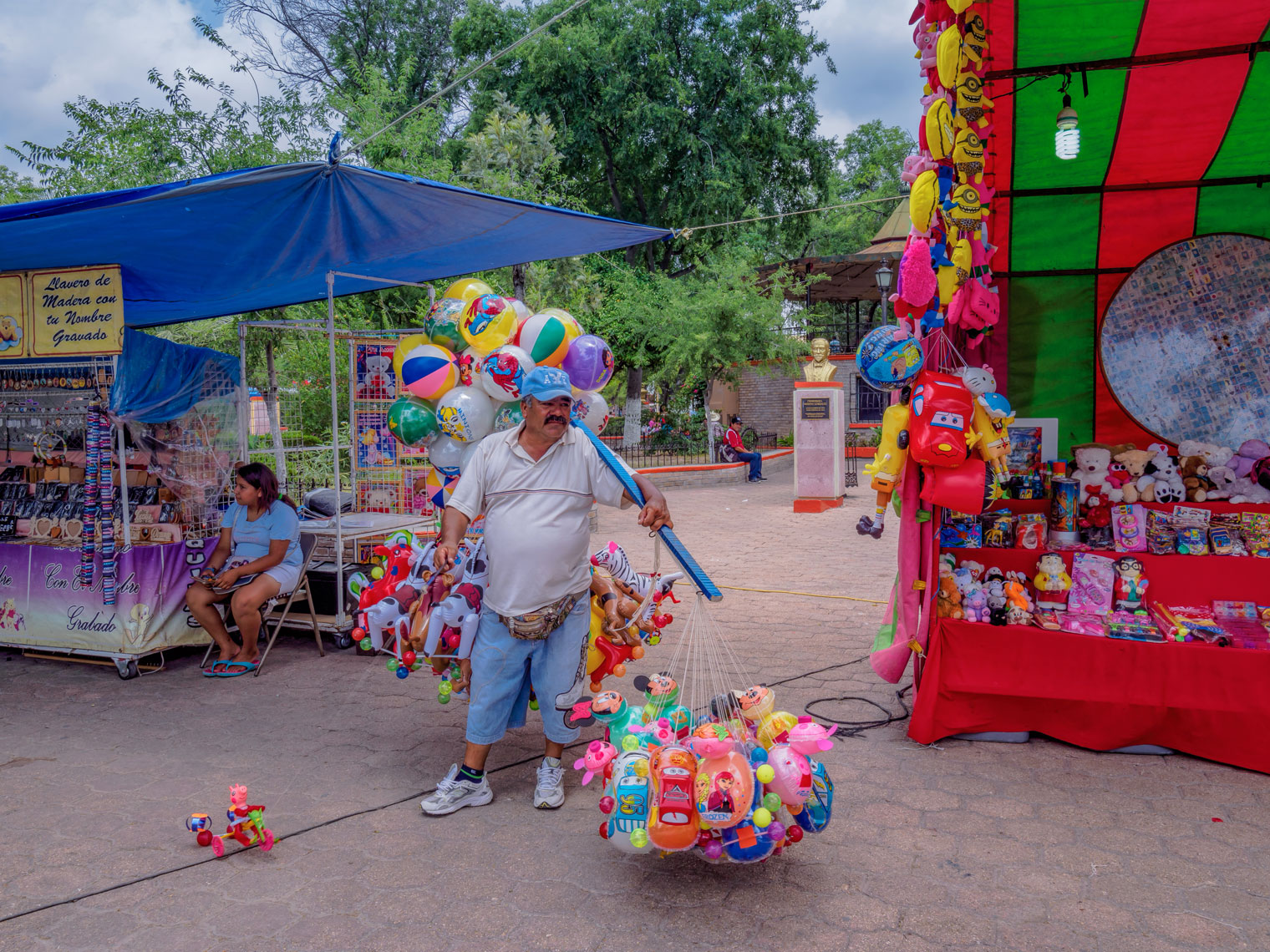34-Acuna-Balloon-Vendor